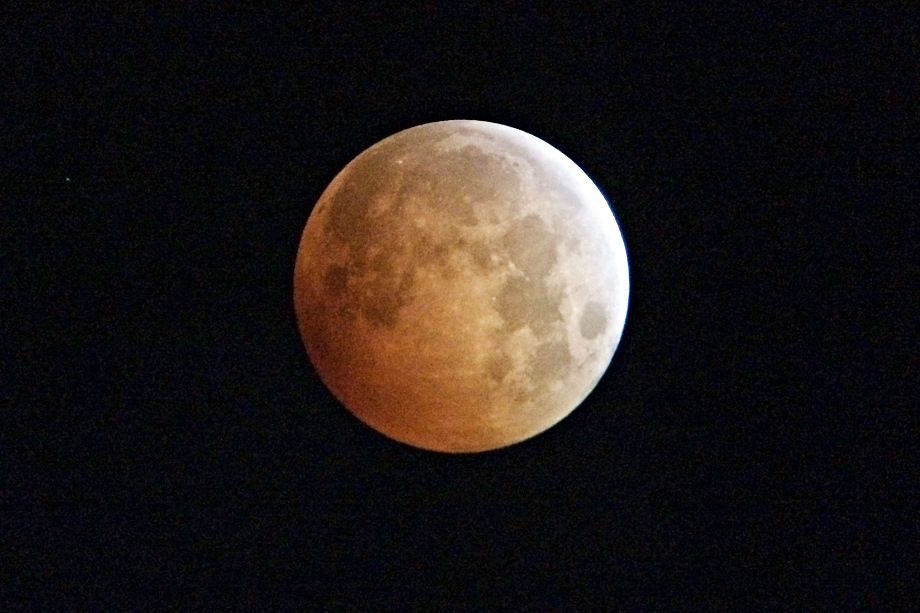 Blood Moon, Australia, Melbourne, iPhone, Jamie Chan, No Foreign Lands, Eclipse