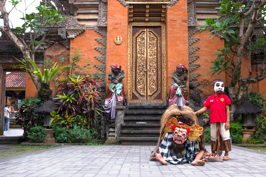 Barong Boys, Ubud, Bali, Jamie Chan, Leica, Travel, photography, Temple, Dance, Tradition, No Foreign Lands, dancers, Indonesia, Museum Puri Lukisan